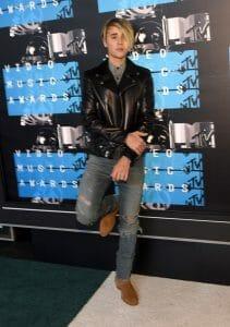 Celebrities Wearing Boots - Justin Bieber Wearing Cowboy Boots