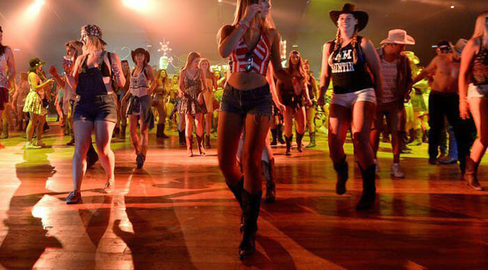 Best Women's Cowgirl Boots - Cowgirl Boots and Line Dancing To Country Music